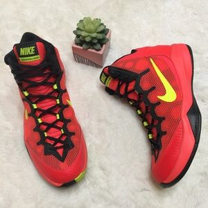NIKE ZOOM WITHOUT A DOUBT BASKETBALL SNEAKER
